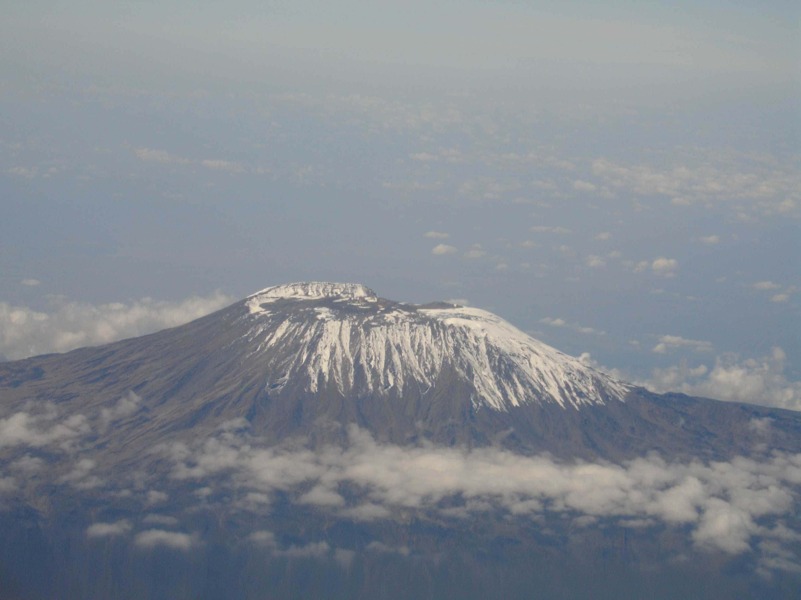 Ascension du Kilimandjaro, voie Marangu (5 895 m)