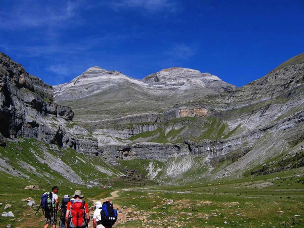 Voyage avec des animaux : Pyrénées, ascensions des plus beaux 3000... Aneto, Mont Perdu, Marboré, Vignemale, Posets