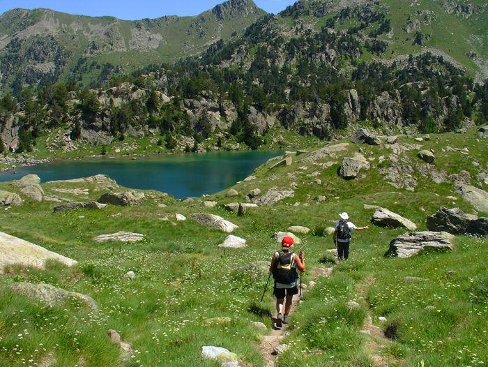 Voyage à pied : Les Pyrénées en famille, sous le soleil espagnol