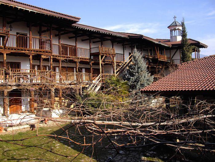 Voyage à pied : Traversée des Balkans, monastères, villages et Parc Nationaux de Rila et Pirin