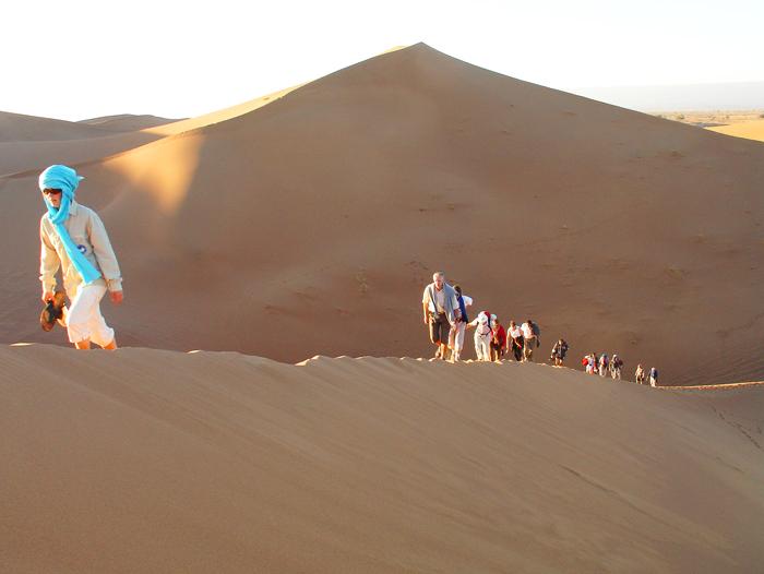 Voyage à pied : De la dune à l\'oasis